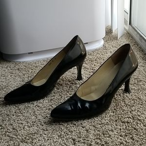 CHARLES JOURDAN Black patent pumps heels pointy